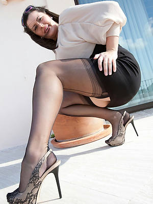 sexy dressed matures pics