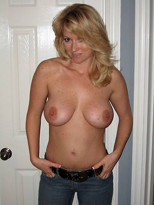 free hd mature in jeans pics