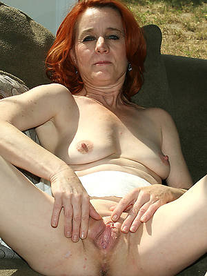 mature Victorian redhead pussy shows pussy