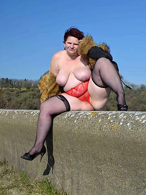 X thick mature adult home pics