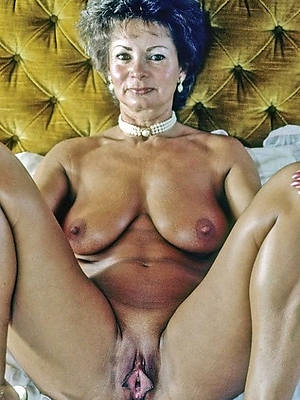 grown-up output nudes