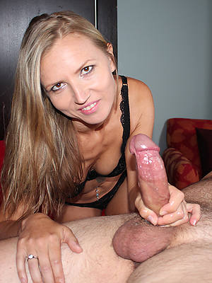 free amature big interior mature handjob