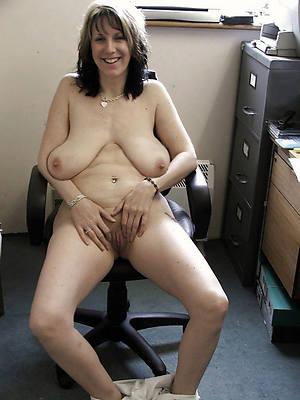 fresh saggy teat matures porno pics