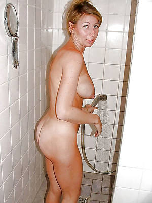 naked pics of mature woman in shower