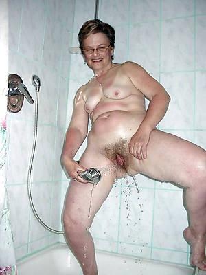 short hair full-grown wife shower