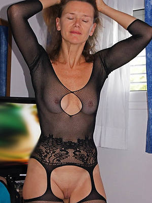 40 year old women overt gallery