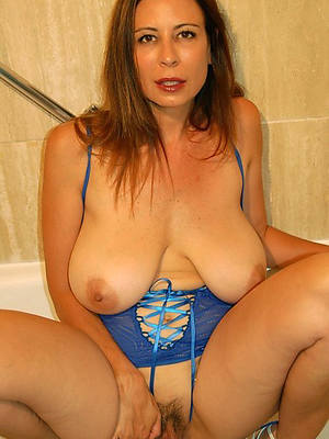free porn pics of matured hot mom