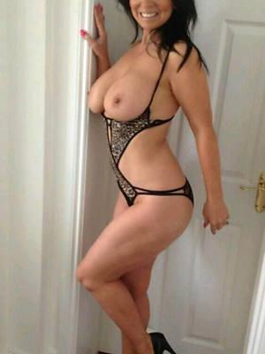 mature girlfriend nude photos