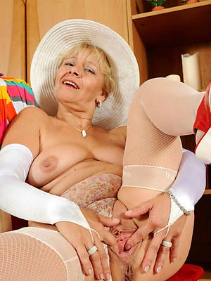 horny classic mature nudes free pics
