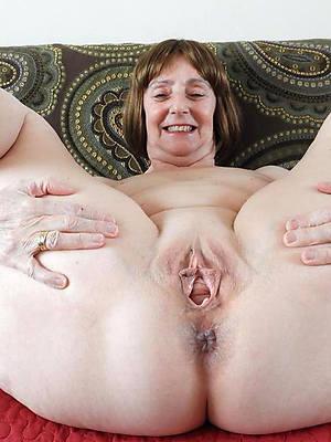 sweet nude vulva mature pics