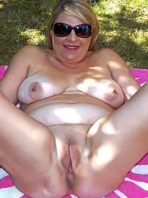 naked pics of horny mature vulva