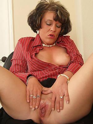 horny wringing wet mature vulva pics