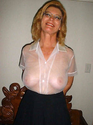 best mature women non nude free pictures