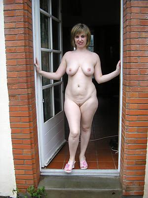 amateur venerable women adult home pics