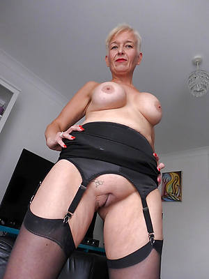 amateur 60 year old nude women porns