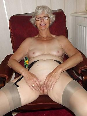beautiful sexy grandma nude photos