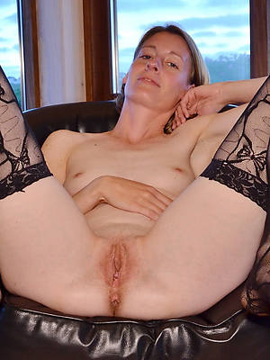 mature bald pussy porno pics