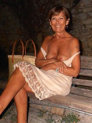 venal 50 mature ladies nude pics