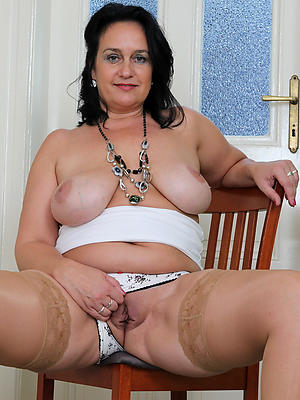 erotic shaved matured pussy pics