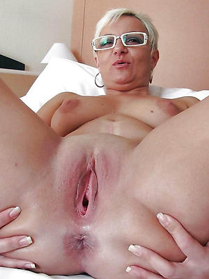 slutty mature pussy shaved