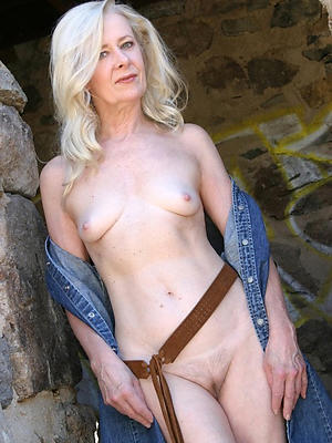 bonny laconic titted mature pictures
