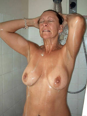 free hd full-grown women in shower nude pictures