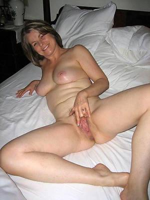 pallid mature women porno pictures