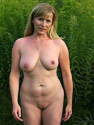 Bohemian amature full-grown white pussy nude pictures