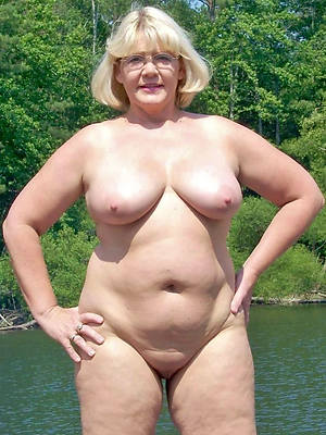 blistering mature white pussy