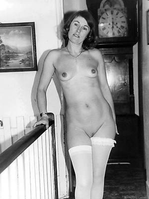 retro mature nudes pictures