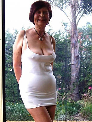 naked pics of mature singles over 50