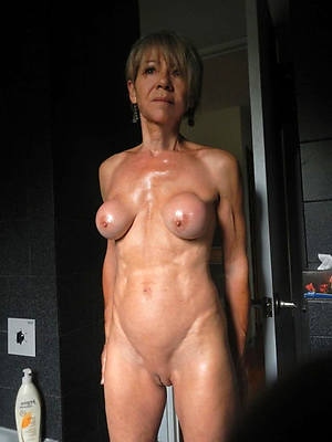 sexy shaved mature pussy pics