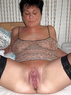 mature shaving pussy