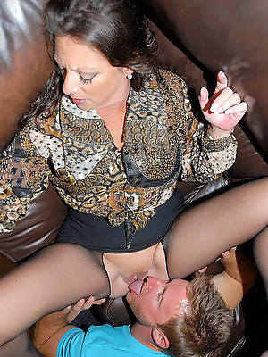 naked pics of mature bobtail wearing down pussy