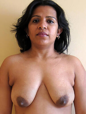 indian mature uncovered pictures