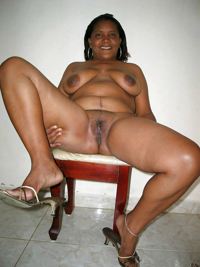 Ebony mature homemade
