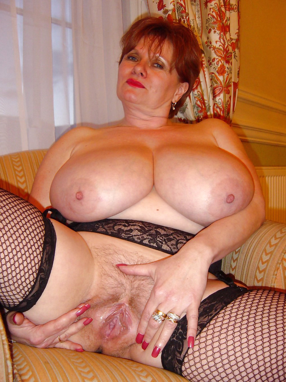 Large mature pussy