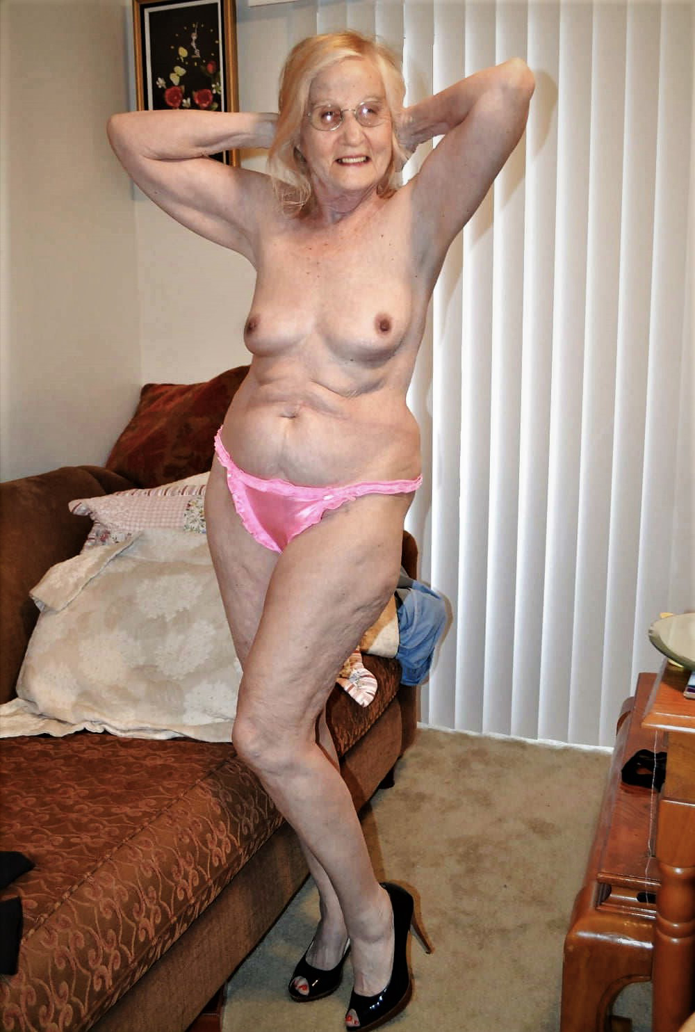 Home taken nude pic