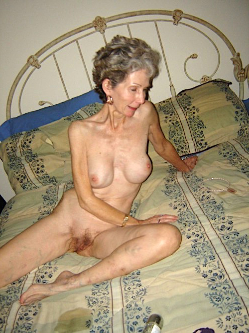 Old bare pussy