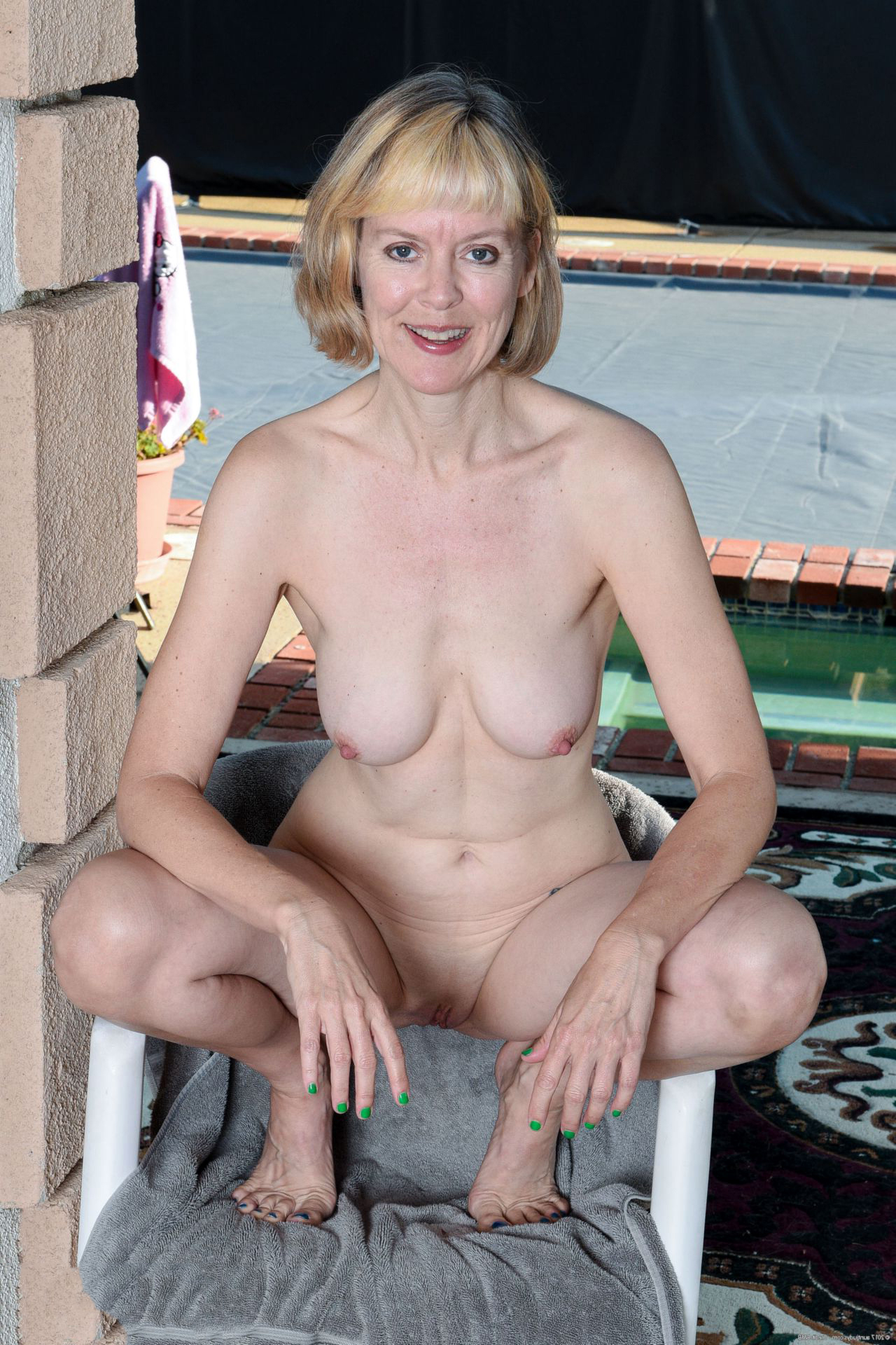 Pictures Of Naked Women Over 50