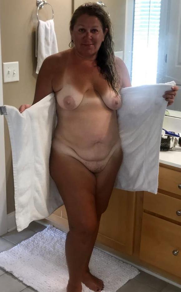 Naked amateur mature pics