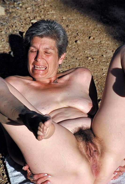 Nude mature hairy