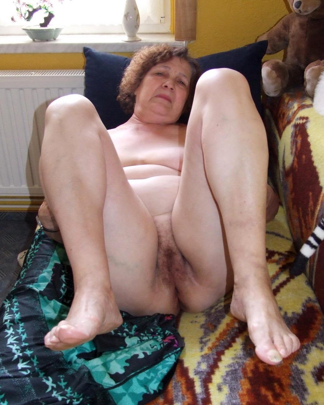изрядно старые женщина голые русские познакомилась одним хорошим