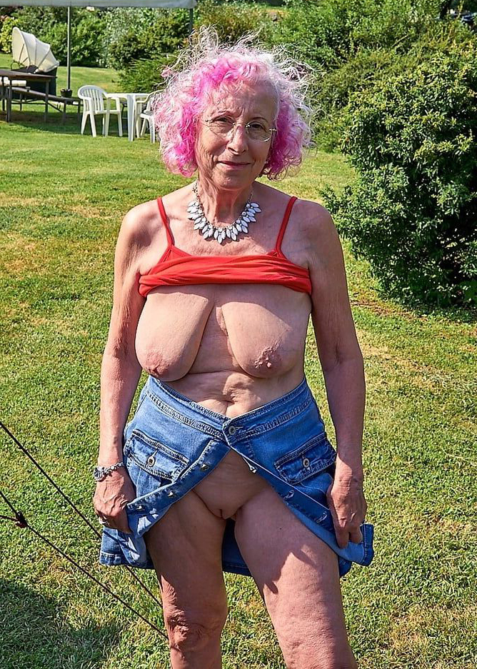 Nude pics grandma Granny Pussy